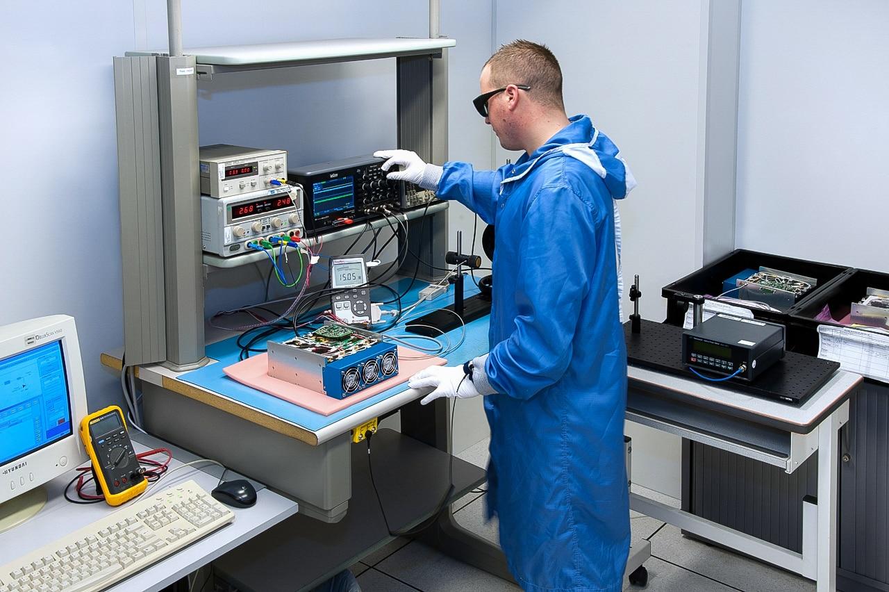 Laboratoire de composants électriques