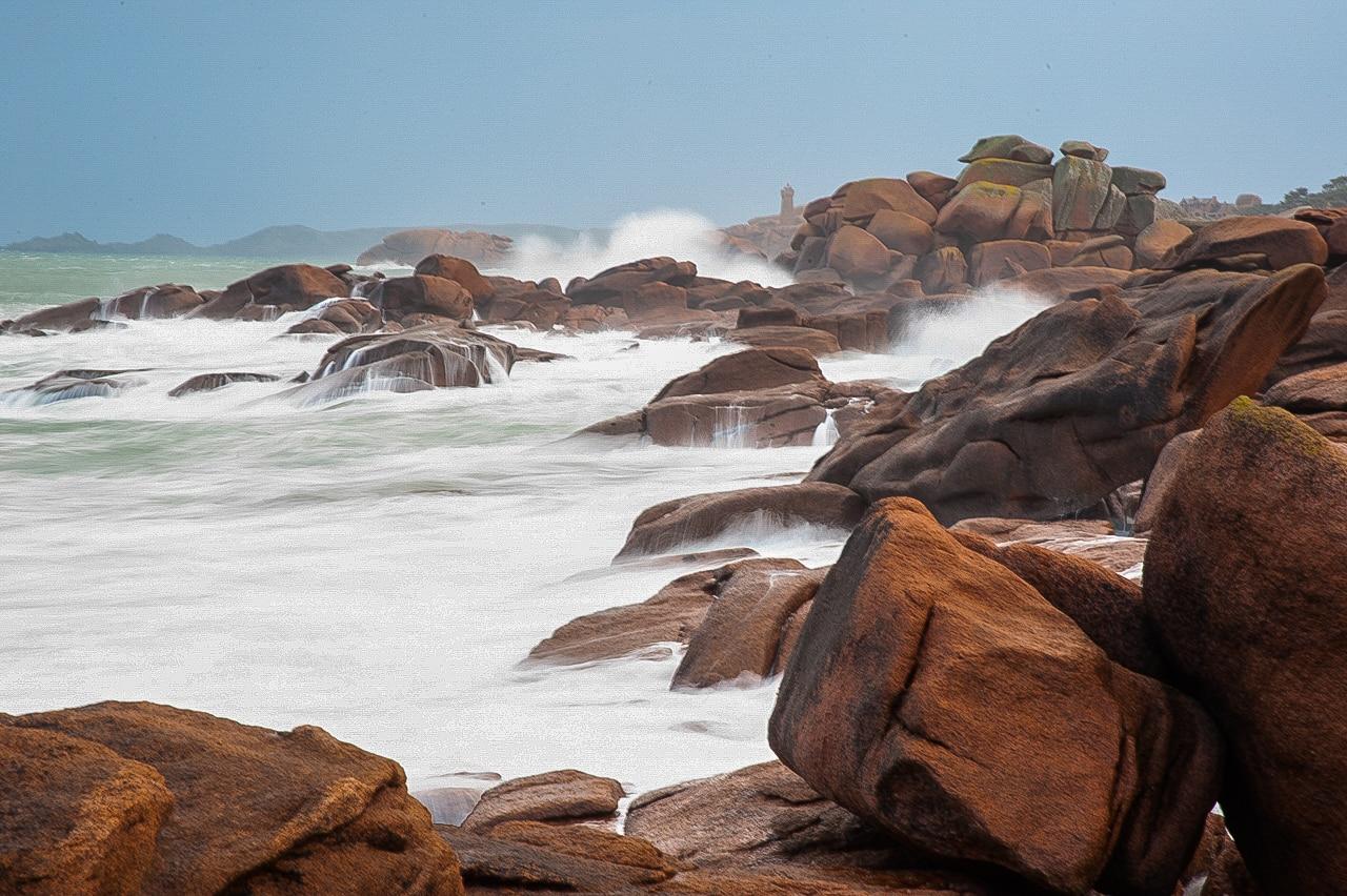 Mer agitée et vagues à Ploumanac'h