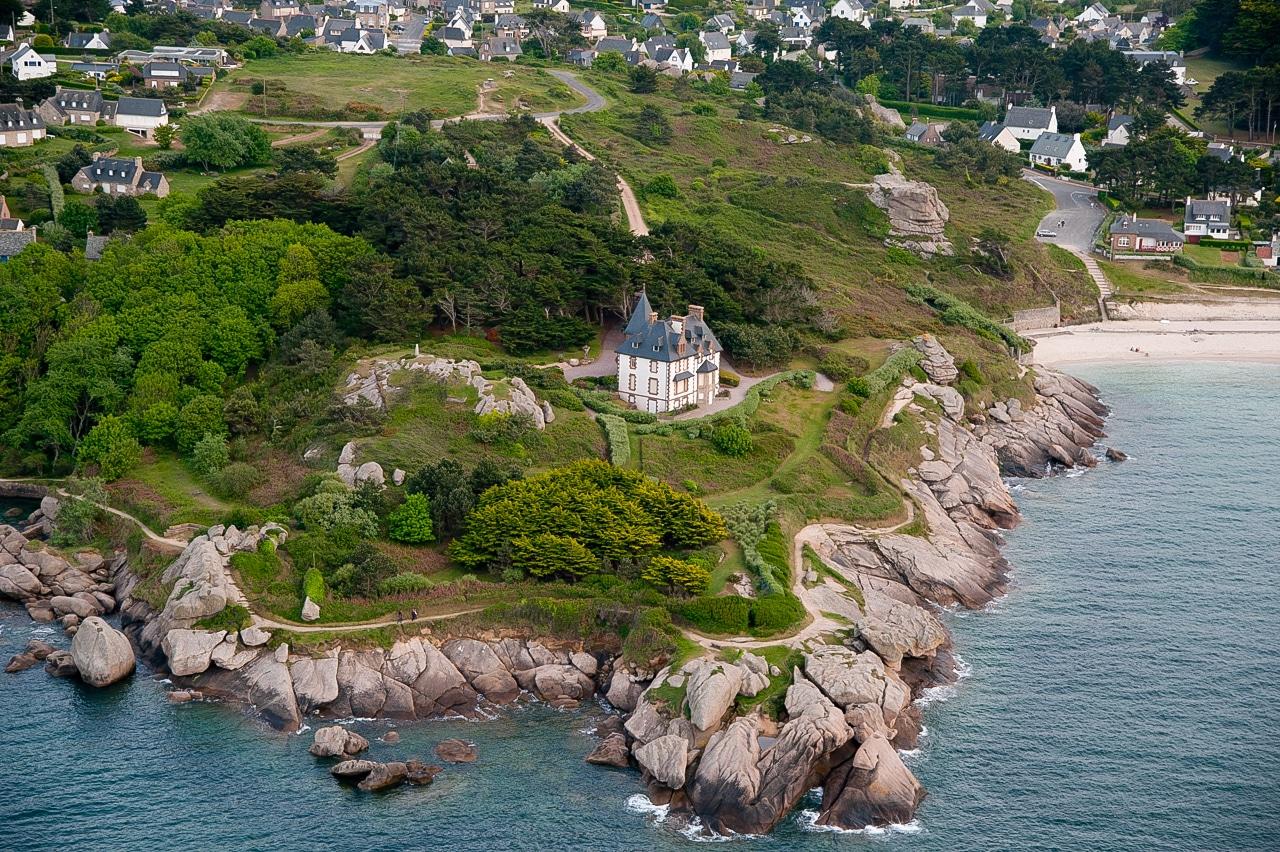 Splendide demeure sur les côtes armoricaines avec vue imprenable sur la mer