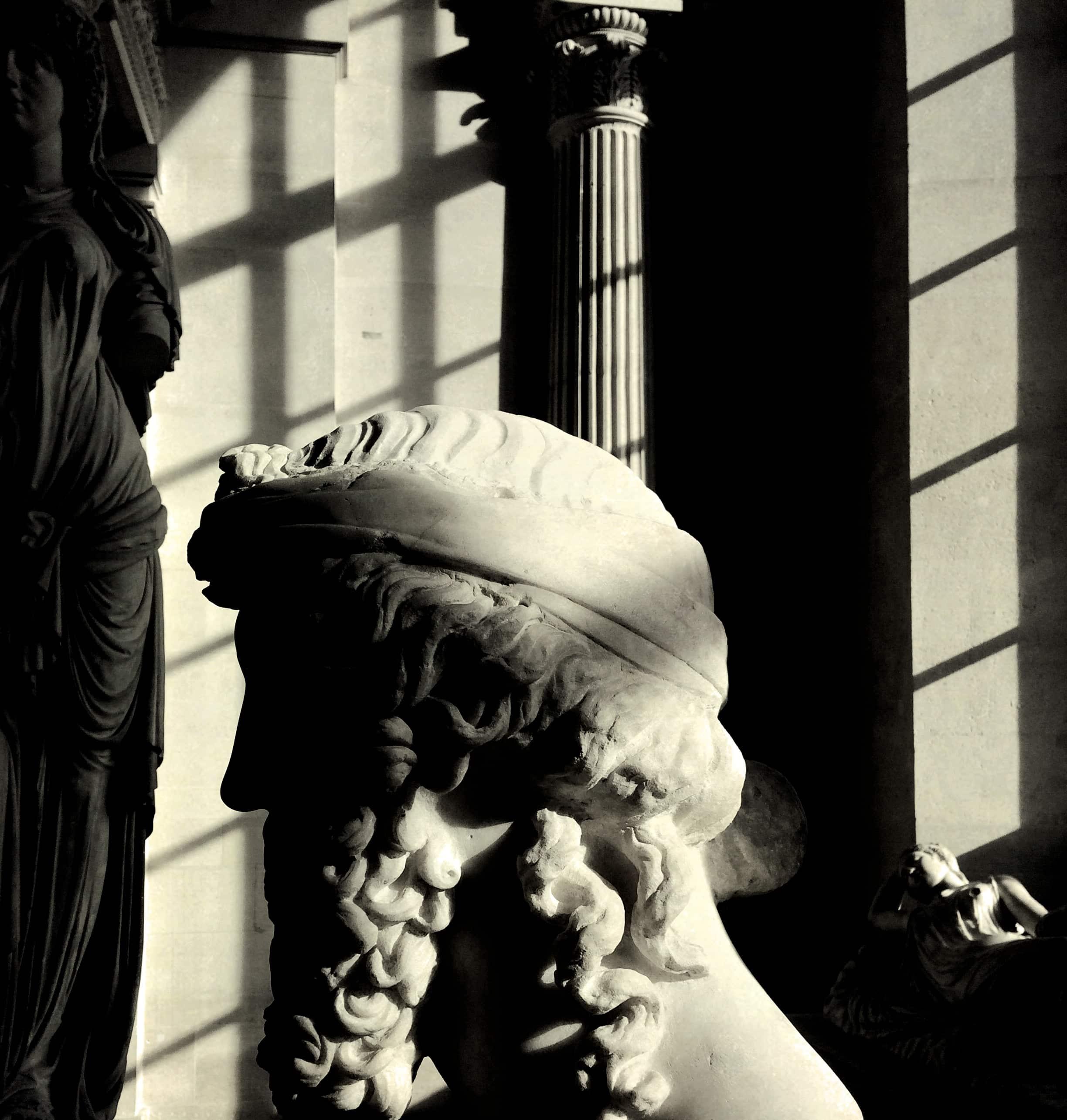 Sculpture d'un dieu grec