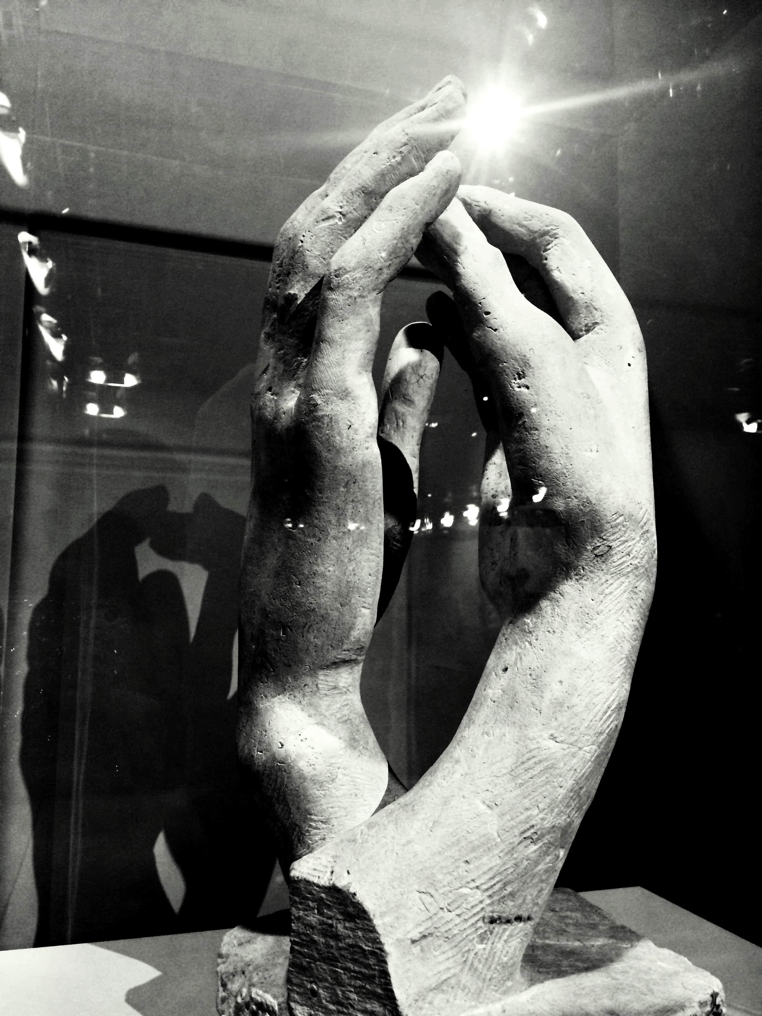 Sculpture de deux mains